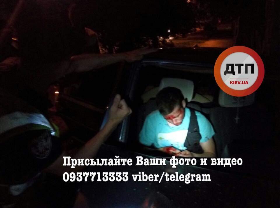 В столице пьяная компания в попытке скрыться от полиции попала в ДТП (Фото)
