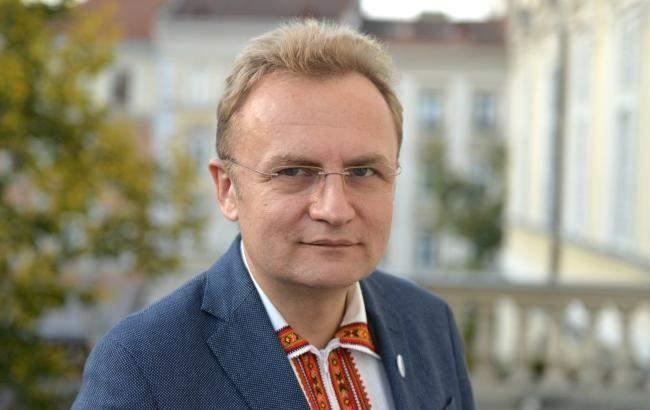 Премьер-министр Украины игнорирует телефонные звонки мэра Львова