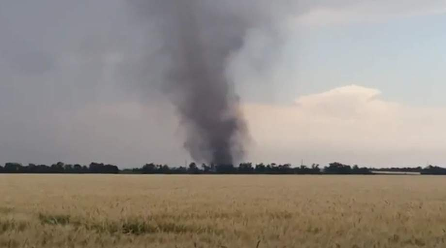 В Донецкой области наблюдали страшный смерч (видео)