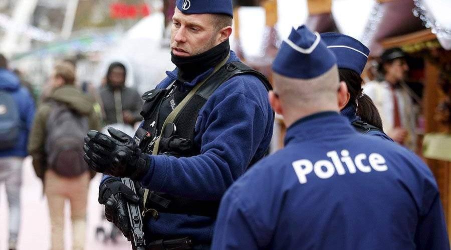 В Брюсселе мужчина пытался наехать на толпу людей: полицейские открыли огонь