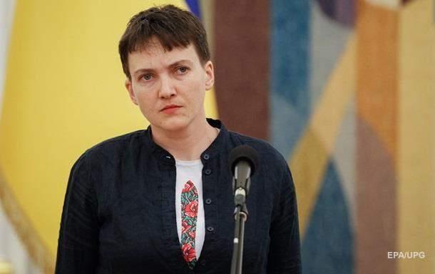 В Николаеве активисты забросали яйцами депутата Надежду Савченко (видео)