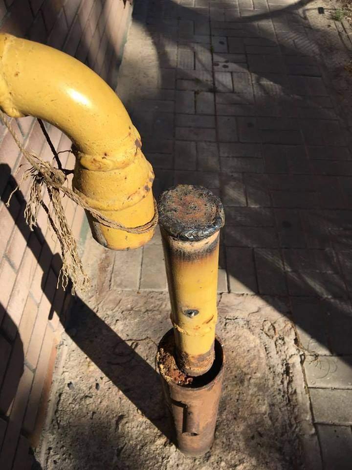 В Запорожье местные жители теряли сознание из-за газовщиков, которые чуть не подорвали улицу (Фото)