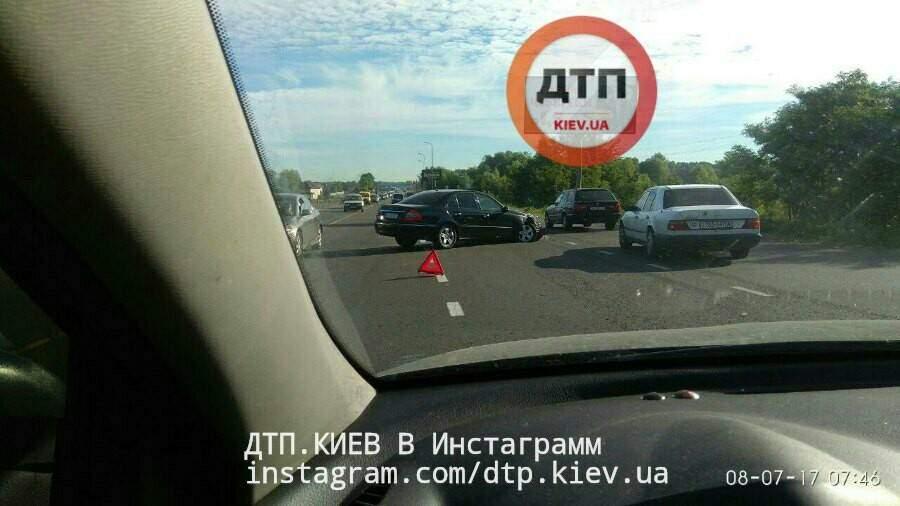 Под Киевом произошло сразу две аварии (Фото)