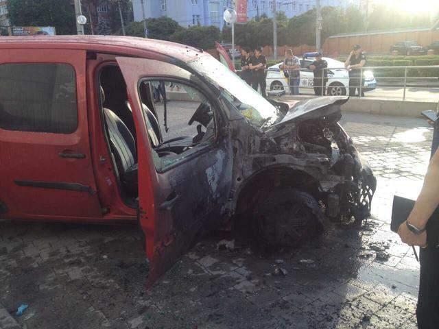 В Хмельницком сгорели несколько автомобилей (фото)