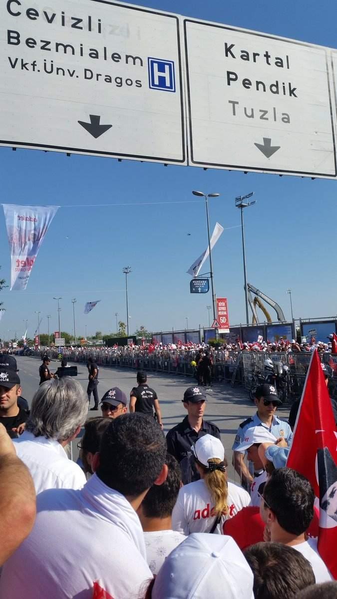 В Стамбуле начались антиправительственные митинги (фото)