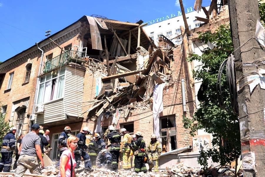 Последствия мощного взрыва в жилом доме столицы: 23 человека переехали в общежитие (фото)