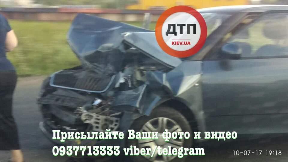 На трассе Киев-Одесса произошло тройное ДТП (фото)