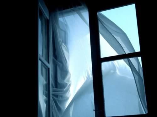 В Харькове женщина совершила суицид, спрыгнув с окна
