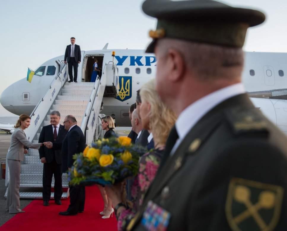 Президент Украины прибыл в Грузию с рабочим визитом (фото)