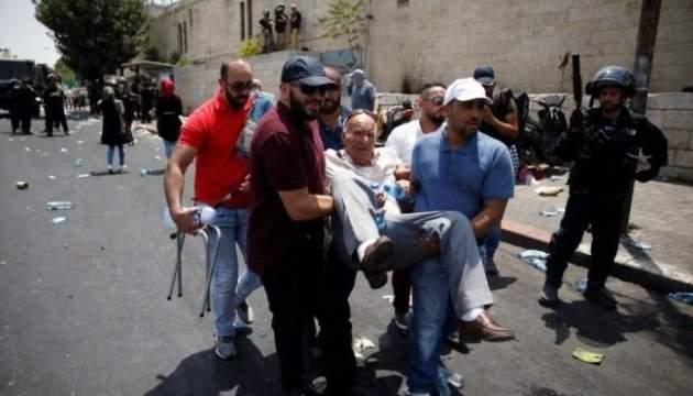 На Востоке начались массовые столкновения между израильскими военными и палестинцами