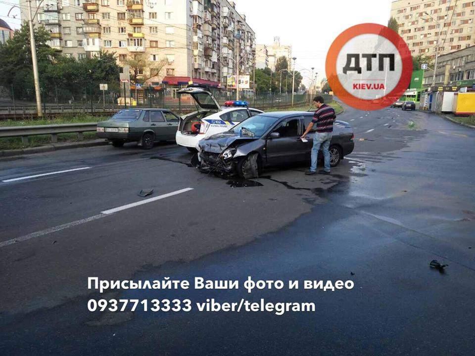 В столице превышение скорости привело к разрушительному ДТП (Фото)