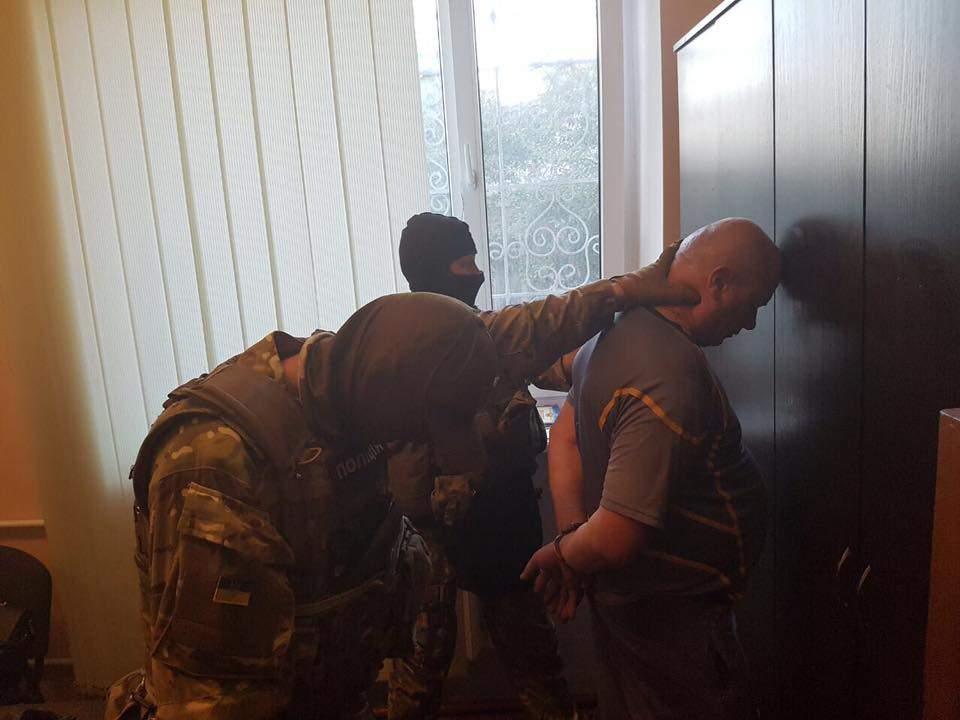На Волыни задержали гражданина за дачу взятки (Фото)
