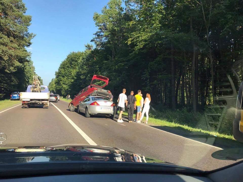 В результате столкновения пяти авто погиб человек (Фото)