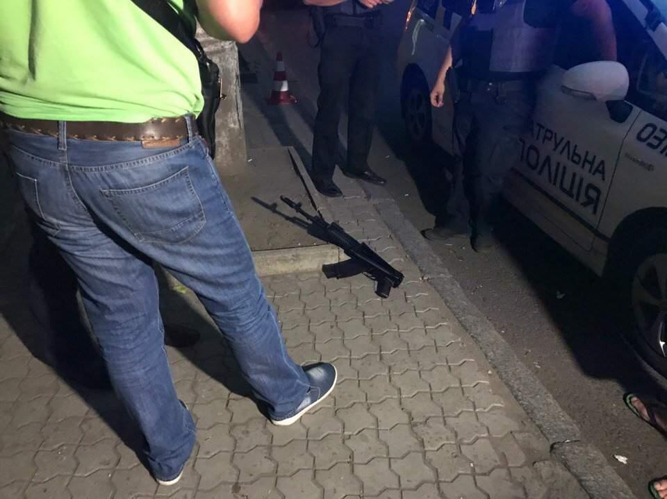 В результате стрельбы в Днепре пострадали бойцы АТО (Видео)