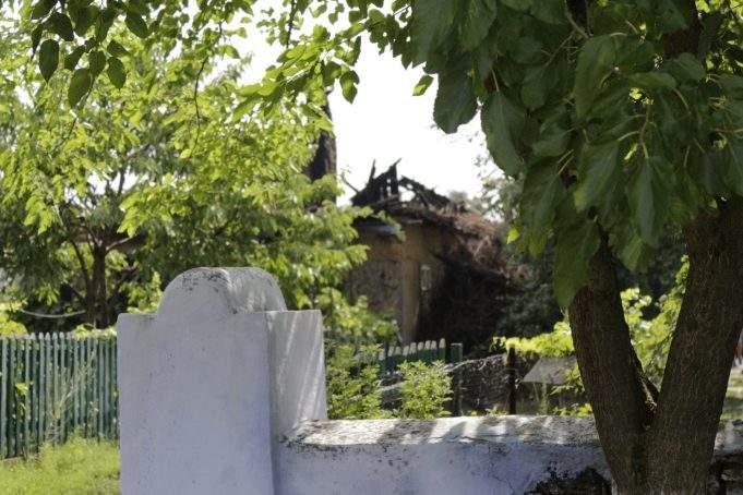 В Одесской области из-за мощного удара молнии вспыхнул дом