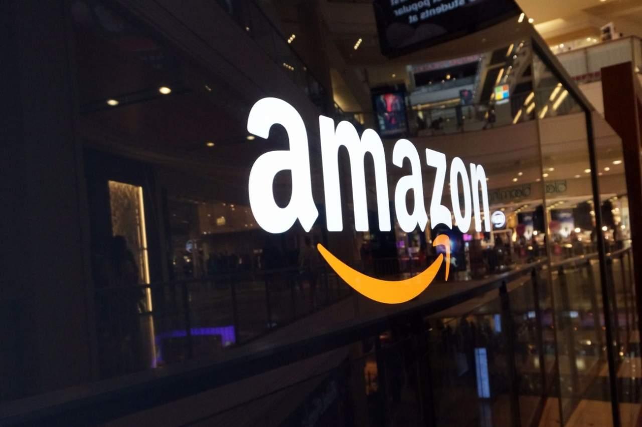 Роботы не справляются: Amazon наймет 50 тысяч сотрудников