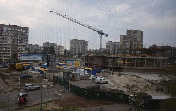 В Киеве погиб 19-летний строитель, упав с высоты