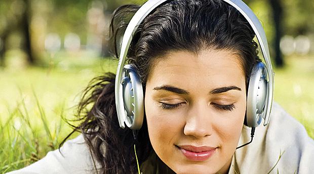 Онлайн-радио: премьеры песен, новости и хит-парады