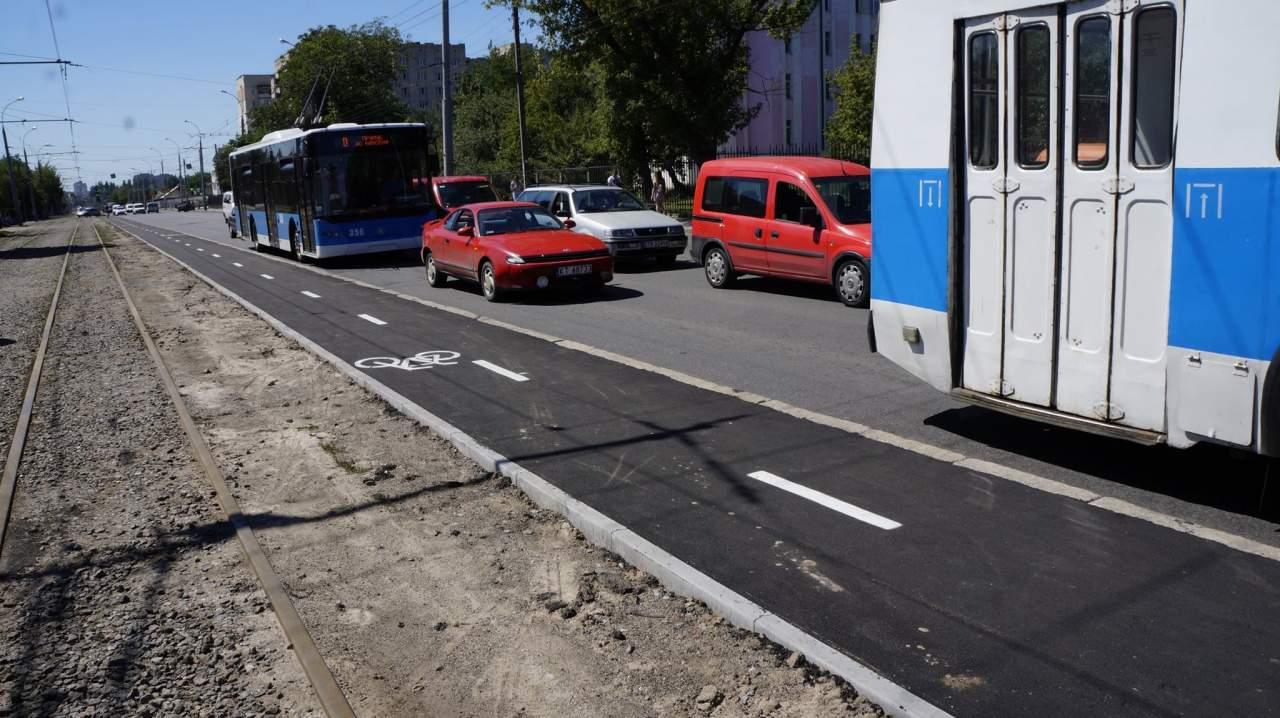 В Виннице продолжаются работы по строительству велодорожек (фото)