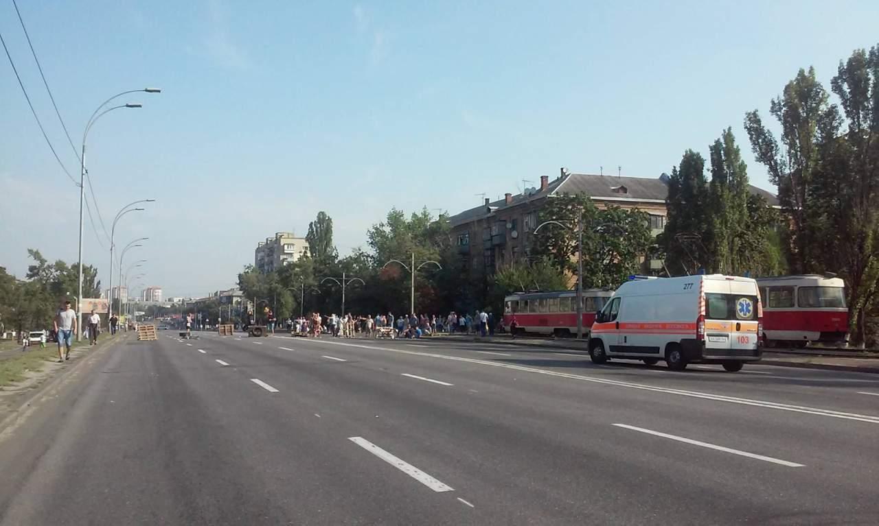 В Киеве протестующие частично разблокировали Харьковское шоссе
