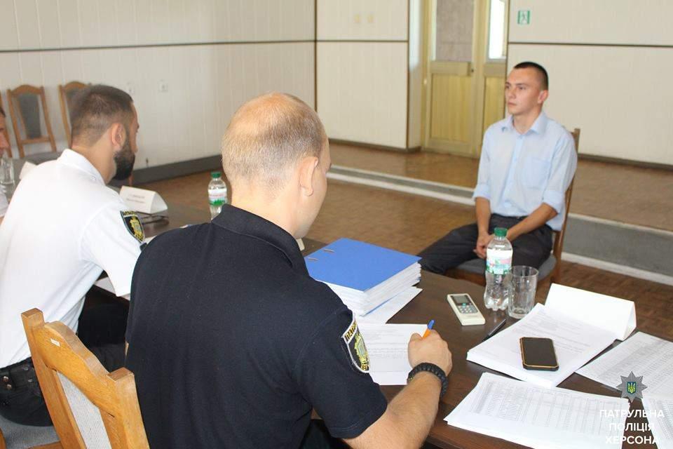 Херсонская полиция пополняет ряды патрульных