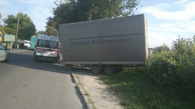 В Луцке в результате кровавой аварии пострадало 3 человека (Фото)