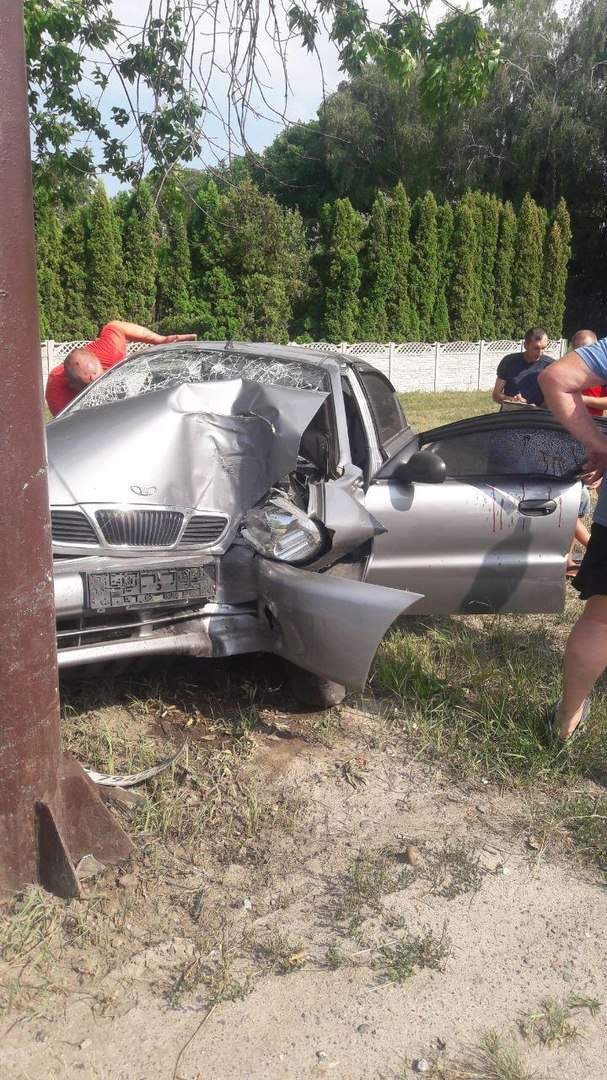 В Харькове возле церкви произошла авария: водитель получил страшную травму