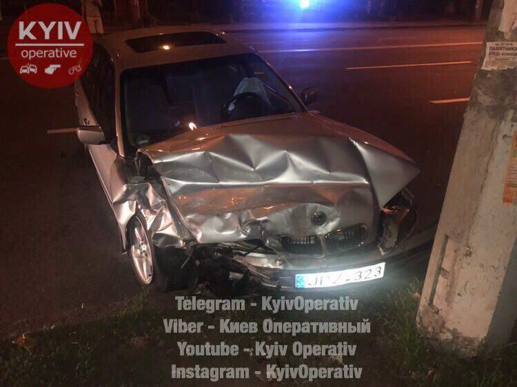 В столице произошло столкновение двух авто из-за нарушения ПДД (Видео)
