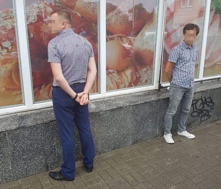 На Волыне задержали полицейских на взятке
