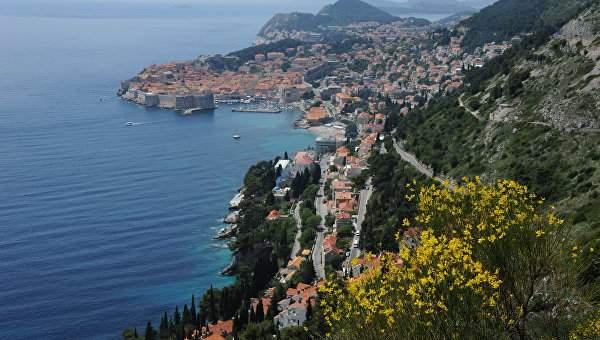 Хорватия ввела штрафы для туристов за обнаженный вид, поедание пищи и сон