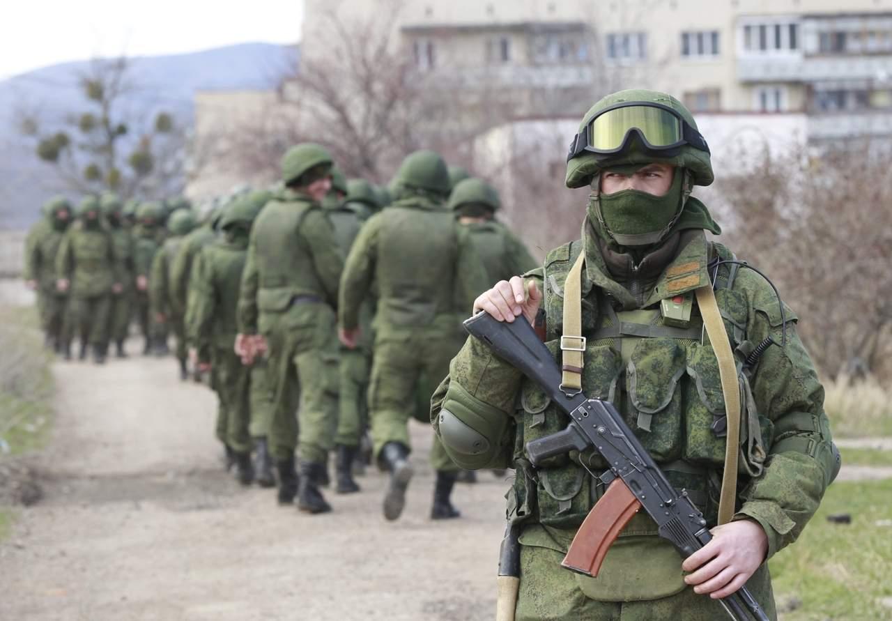 В Крыму российские силовики задерживали татар и запугивали женщин