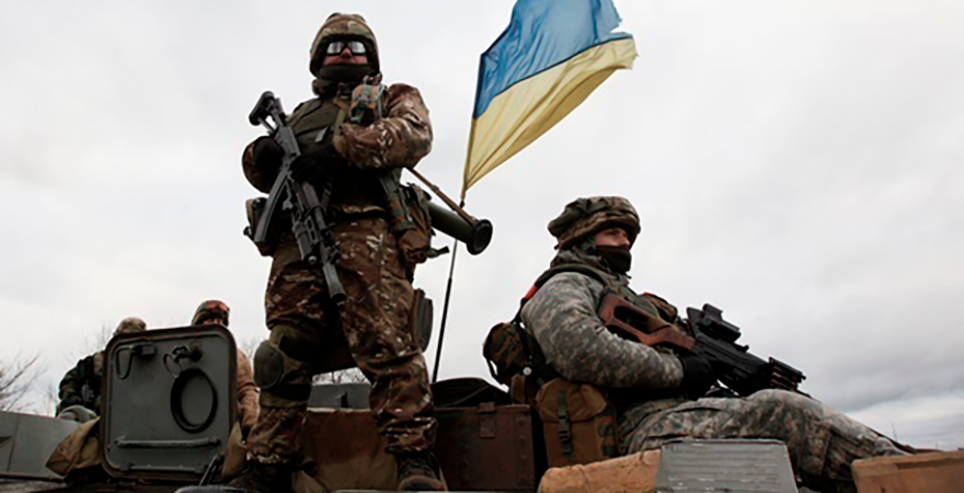 Напряженные сутки на фронте: в зоне АТО потери среди украинских военных
