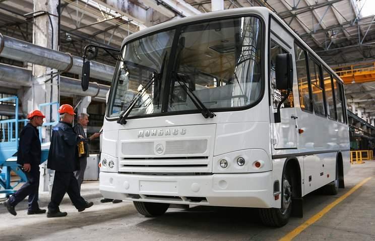 Захарченко уличили в использовании российских автобусов в качестве