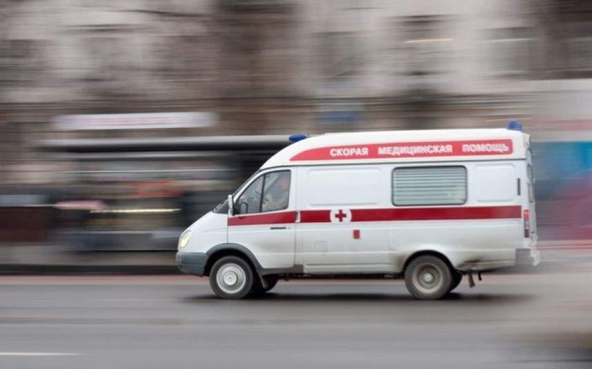 Падение бетонного щита на мужчину во Львове: Пострадавший в тяжелом состоянии госпитализирован