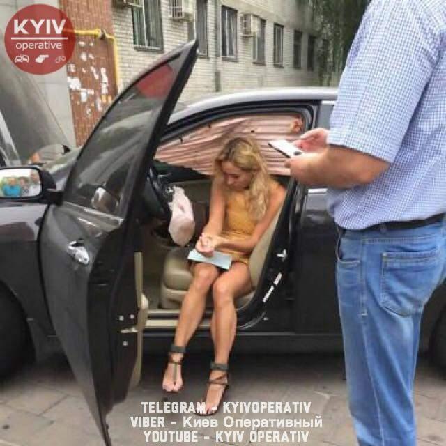 В столице девушка перепутала передачи и попала в ДТП (Фото)