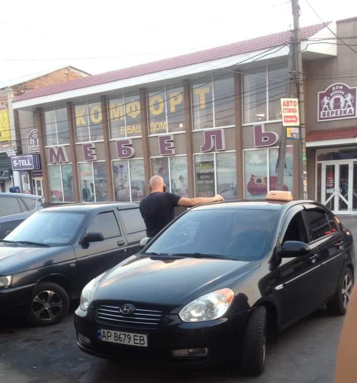 В Мелитополе неоднократный виновник аварий без водительских прав оказывает услуги такси
