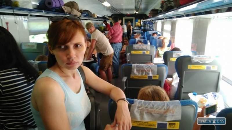 «Укрзализница» «гривной» извинилась перед пассажирами за инцидент в Интерсити