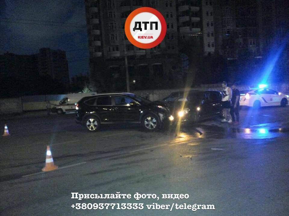 В столице на аварийном перекрестке произошло ДТП с пострадавшими (Фото)
