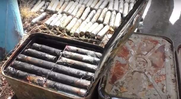 В водах Луганской области обнаружили 13 ящиков боеприпасов (видео)