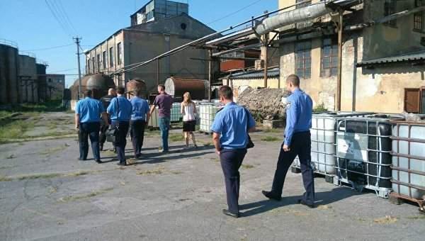 На спиртовых заводах в 11 областях Украины проходят обыски