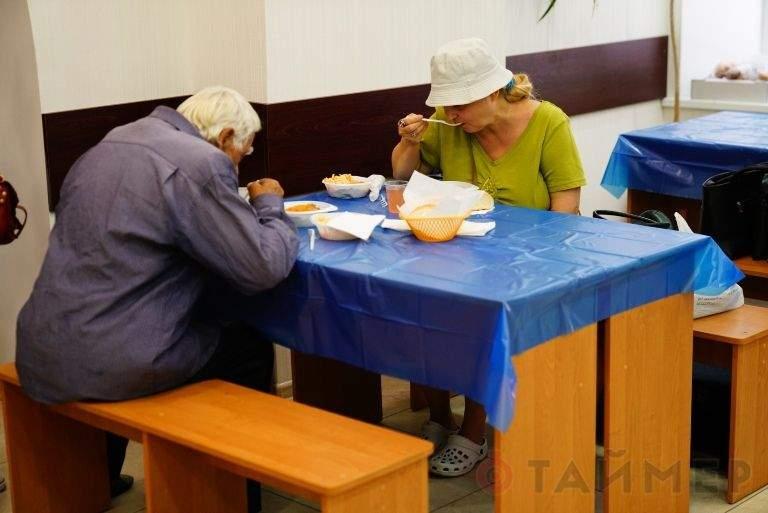 «Абсолютно бесплатно»: в Одессе олигарх  открыл социальную столовую для пенсионеров (фото)