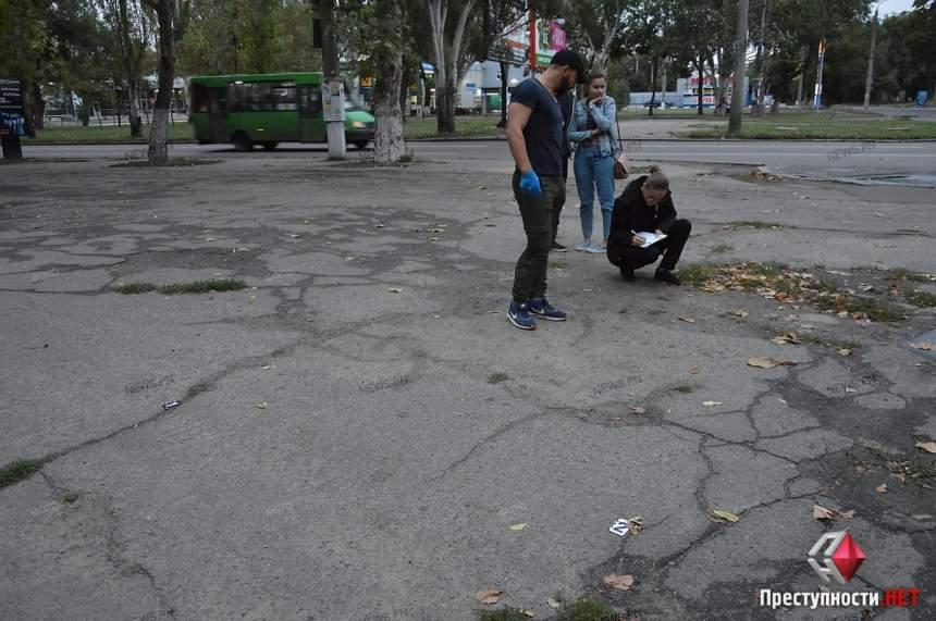 Ограбление со стрельбой в Николаеве: Неизвестные отобрали у мужчины полмиллиона гривен
