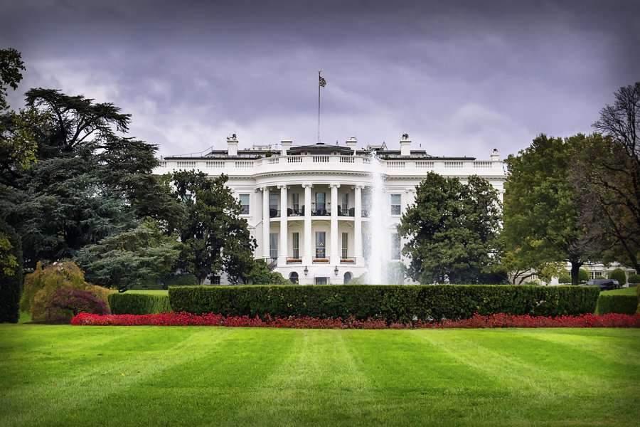 На территории резиденции Трампа объявлена тревога
