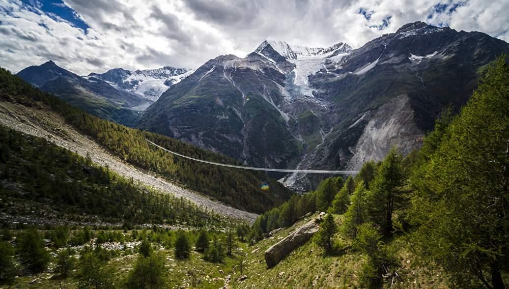 В Швейцарских Альпах  произошёл оползень: спасатели ищут пропавших без вести