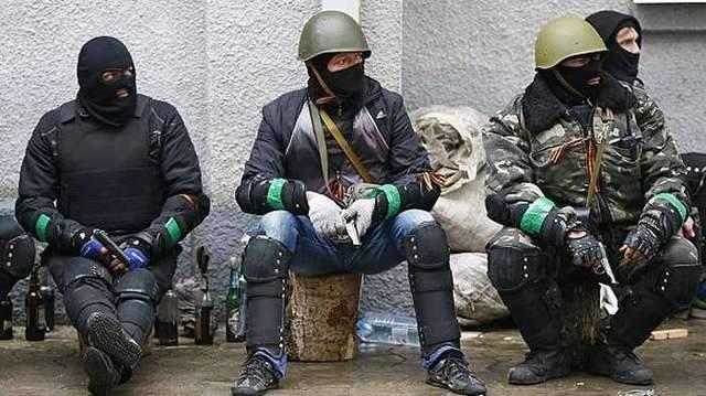 На неподконтрольном Донбассе мирные жители отобрали оружие у военных