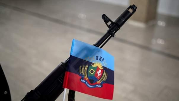 В ЛНР обстреляли авто предпринимателя