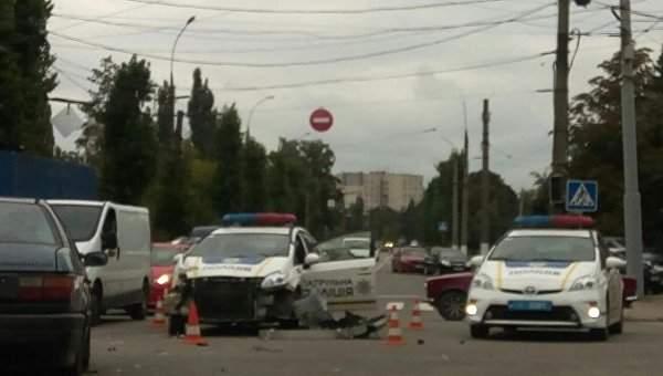 В Харькове произошло ДТП с участием маршрутки и полицейского авто (Фото)