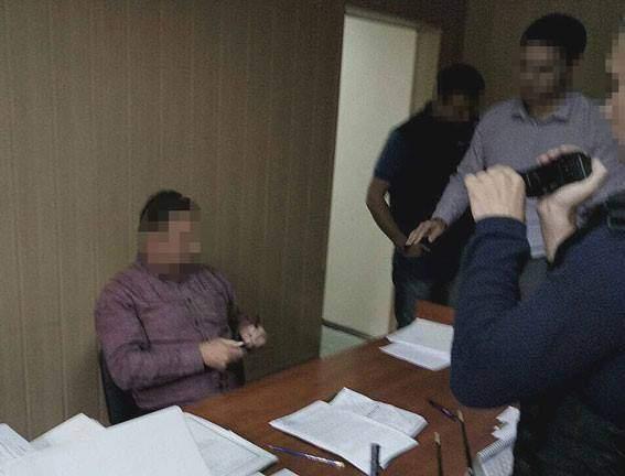 В Полтаве на взятке задержали судью (Фото)