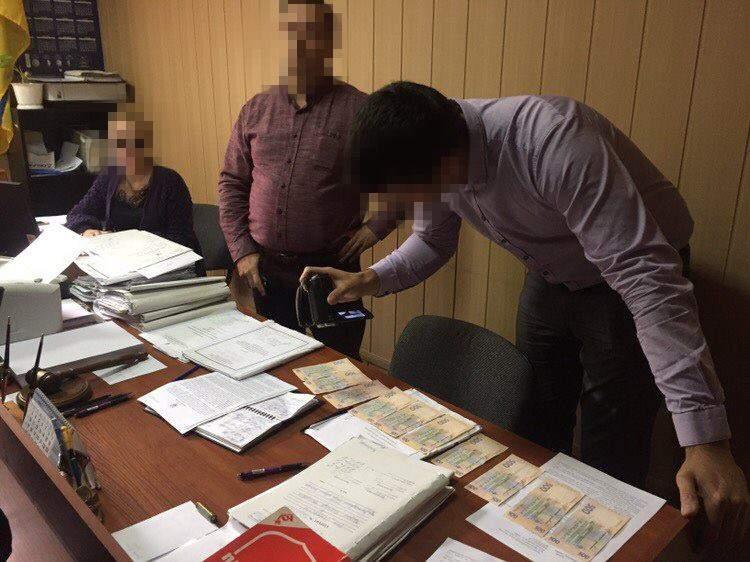 В Полтаве на неправомерной выгоде задержали районного судью (фото)