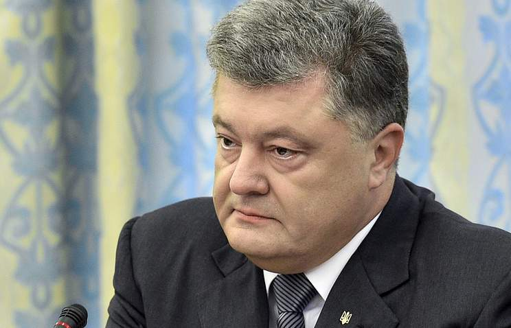 Политолог уверяет, что у Порошенко есть все основания для введения военного положения